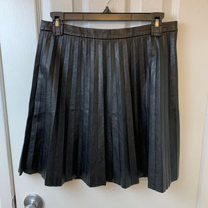 NWOT J Crew Black Faux Leather Pleated Skirt. 4